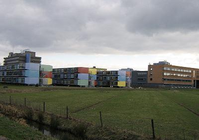 studentenhuizen in Delft; foto publiek domein commons.wikimedia.org/wiki/File:Containers